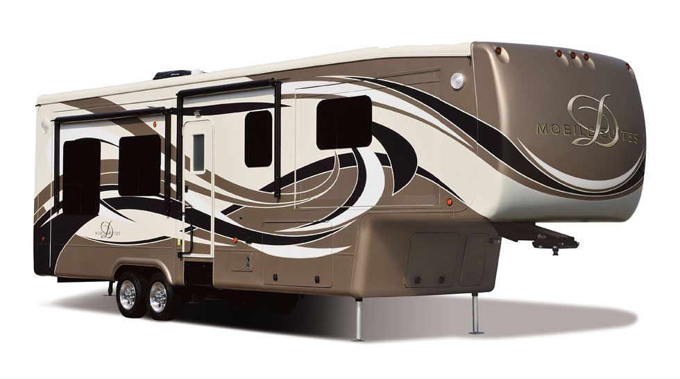 Frontal View of a 2014 DOUBLE TREE 38RSSB3, Mobile Suites