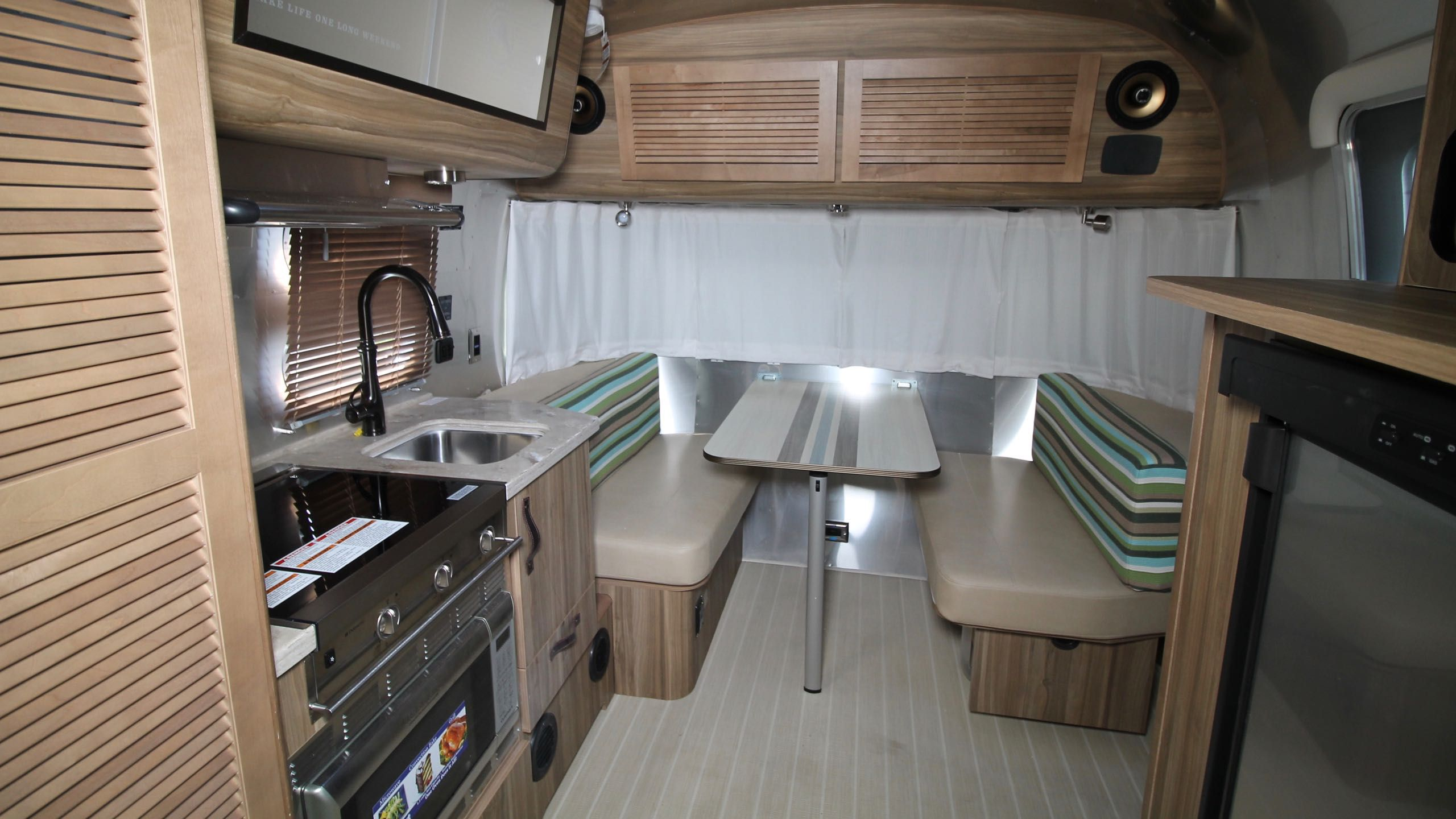 Wonderful NEW 2018 AIRSTREAM TOMMY BAHAMA 19CB TRAVEL TRAILER - 542282 RVHotline RV Trader
