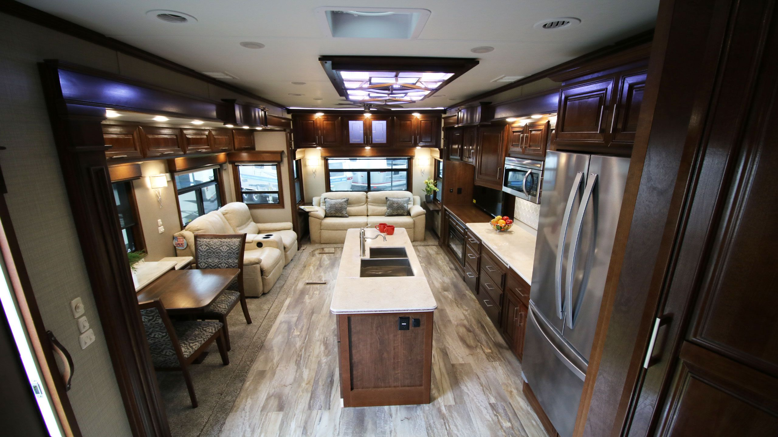Mobile Suites Fifth Wheels Airstreams Campers Can Am