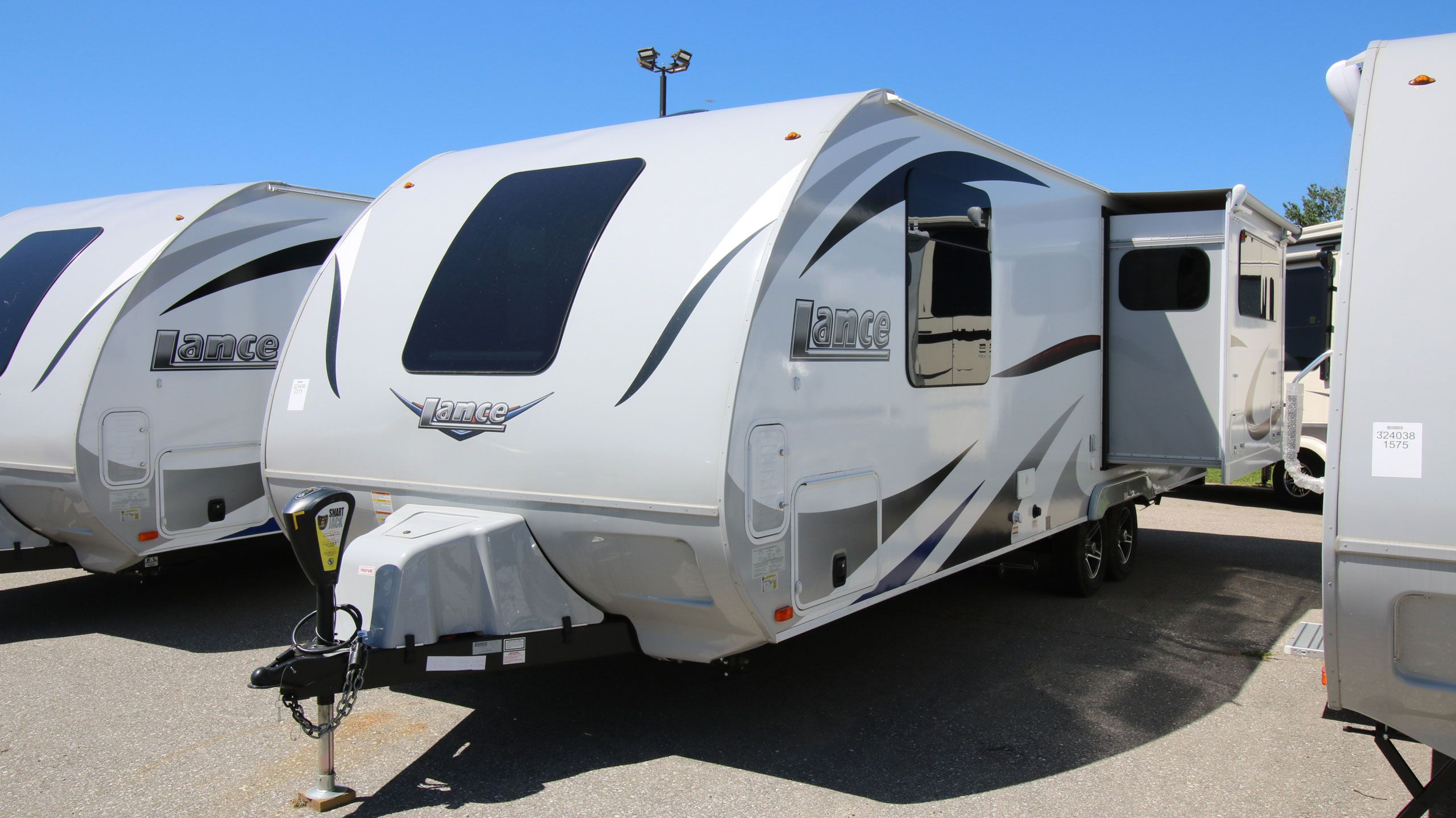 Lance Travel Trailers - Can-Am RV Centre