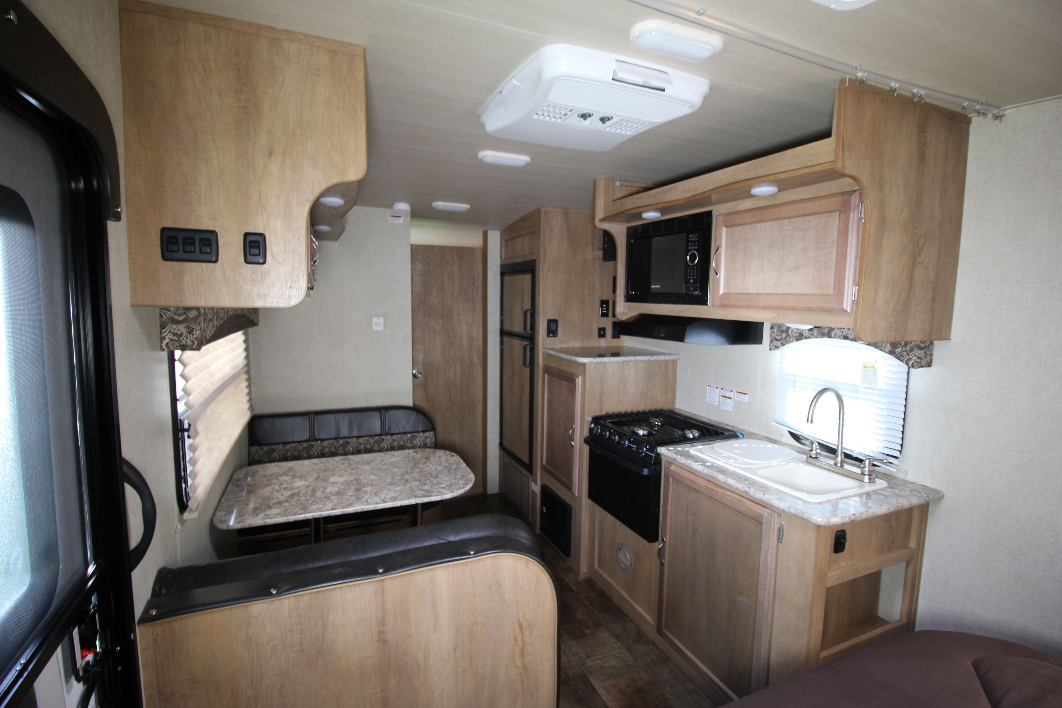 New 2019 Gulfstream Vista Cruiser 19rbs Travel Trailer
