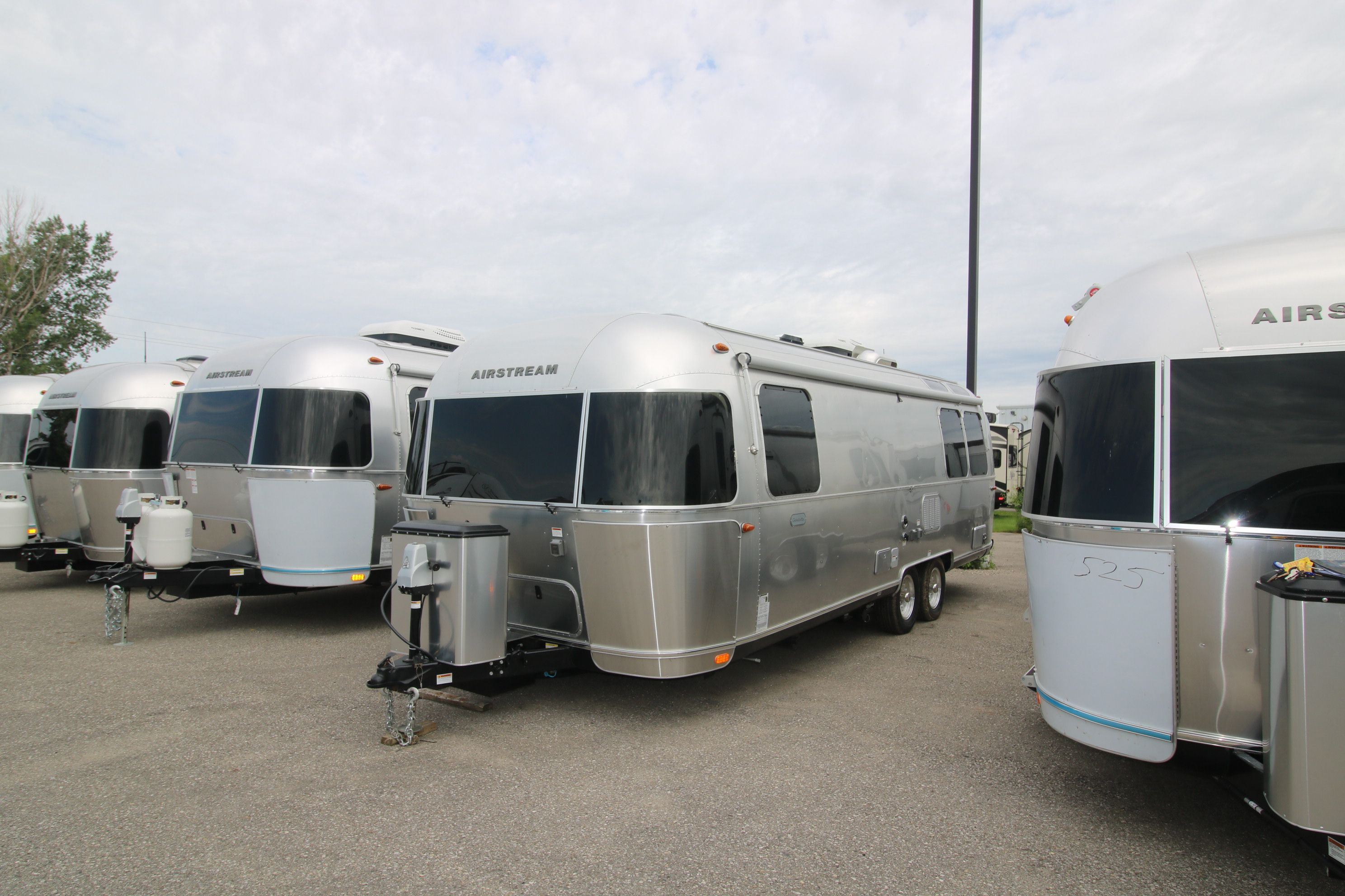 NEW 2019 AIRSTREAM AIRSTREAM 27FB GLOBETROTTER TRAVEL