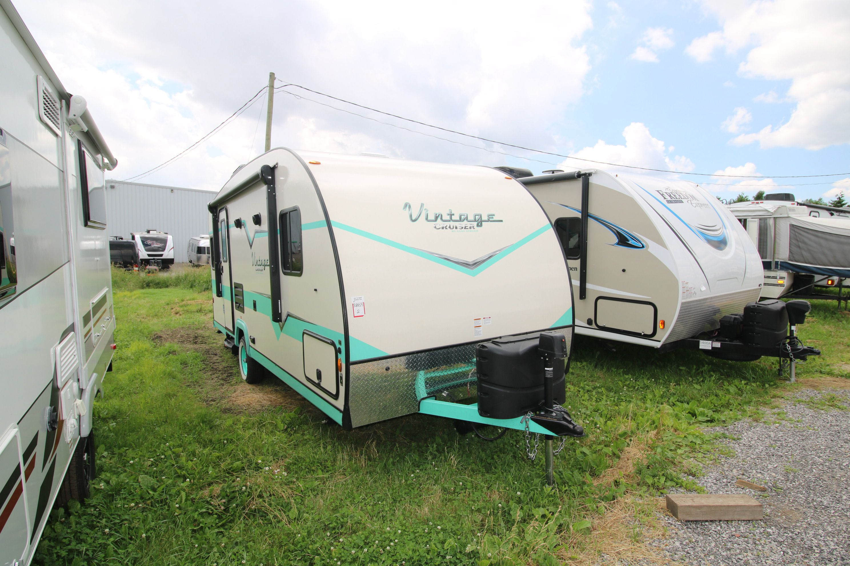 Vintage Cruiser Travel Trailers - Airstreams | Campers | Can-Am RV
