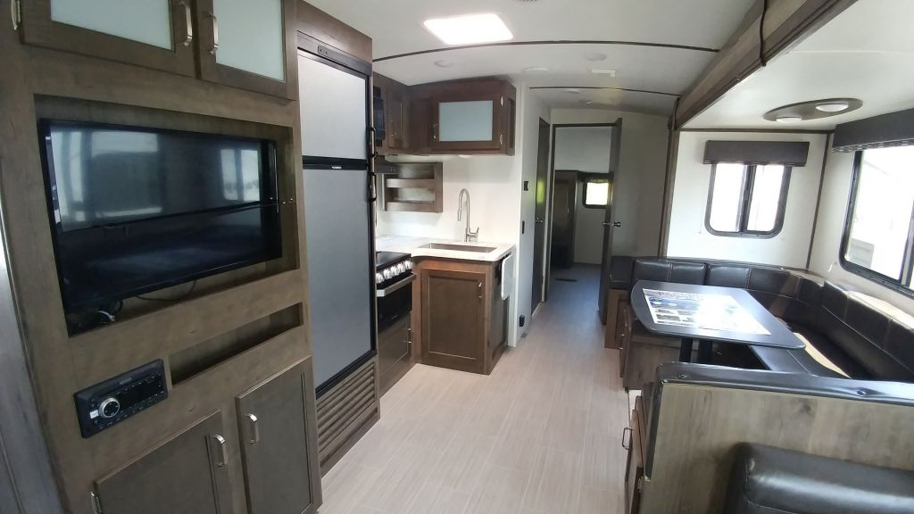 2020 KEYSTONE PASSPORT 3221BH       SPECIAL SALE