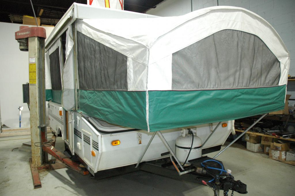 2000 FOREST RIVER Viking 2107