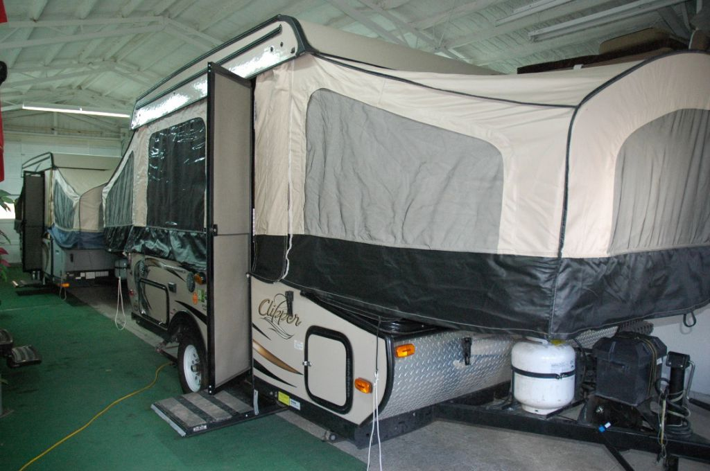 2015 COACHMEN Clipper 108ST