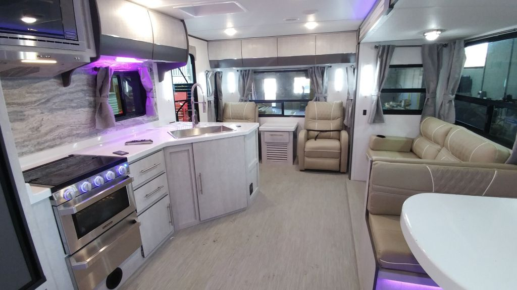 New 2020 Travel Lite Evoke Evoke Model L Travel Trailer