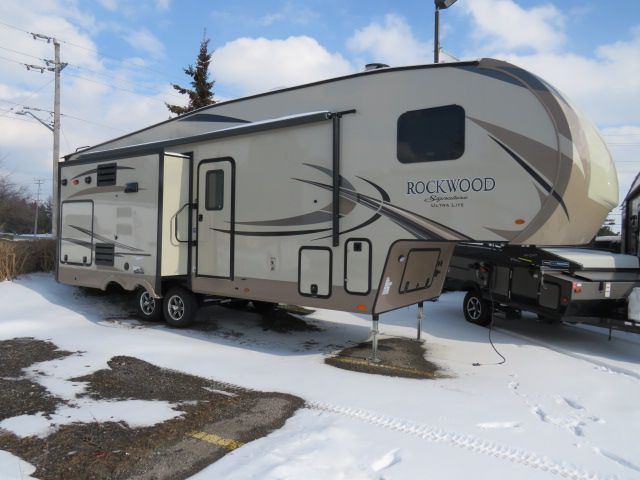 2018 FOREST RIVER ROCKWOOD SIGNATURE ULTRA LITE 8288WSA