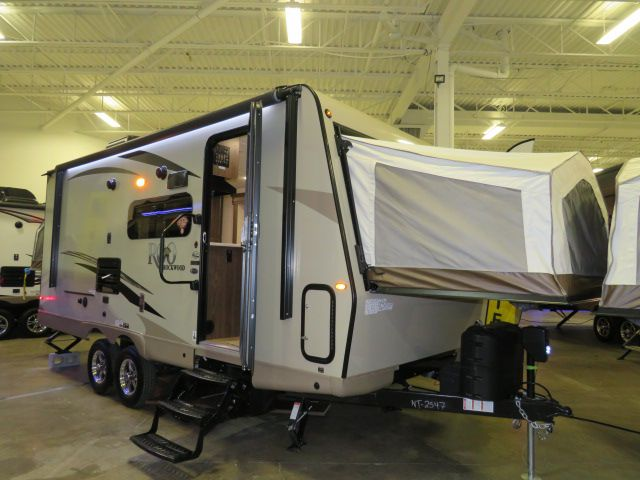 2018 FOREST RIVER ROCKWOOD ROO 21SS