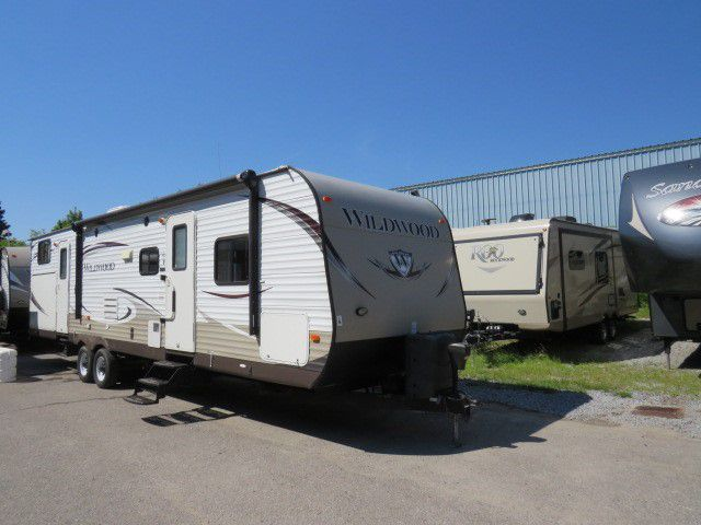 2014 FOREST RIVER WILDWOOD 32BHDS