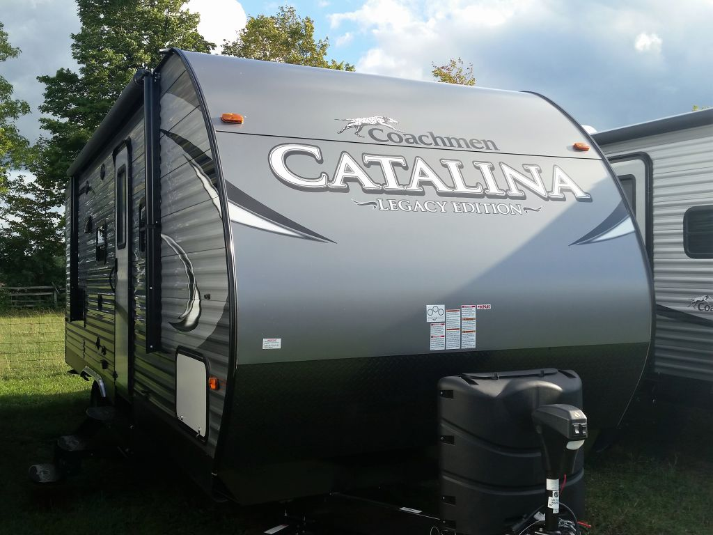 2018 COACHMEN CATALINA 243 RBS FOR COUPLES