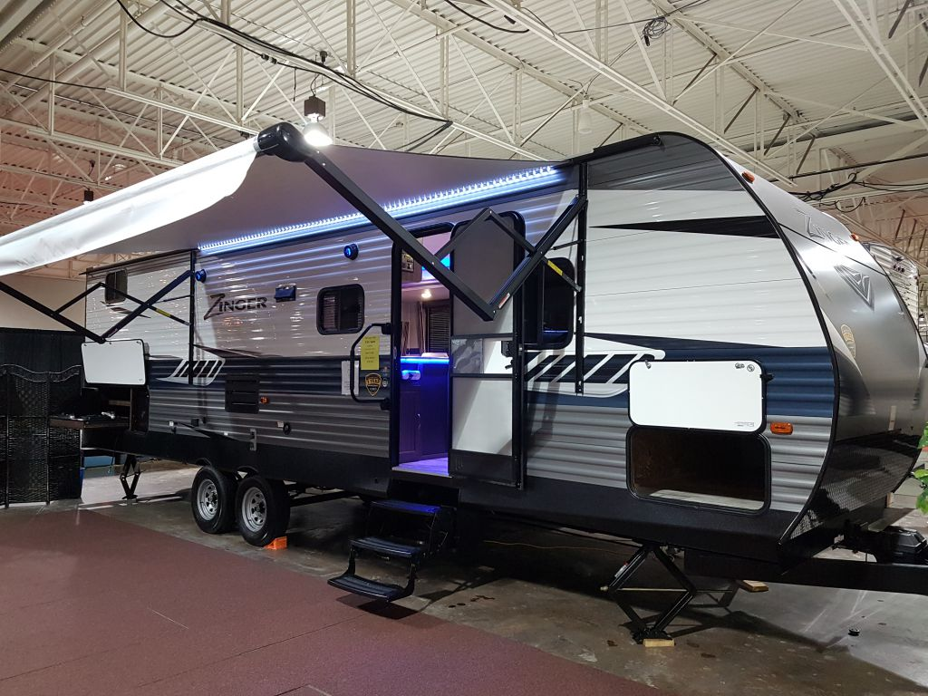 2018 CROSSROADS Zinger 290KB