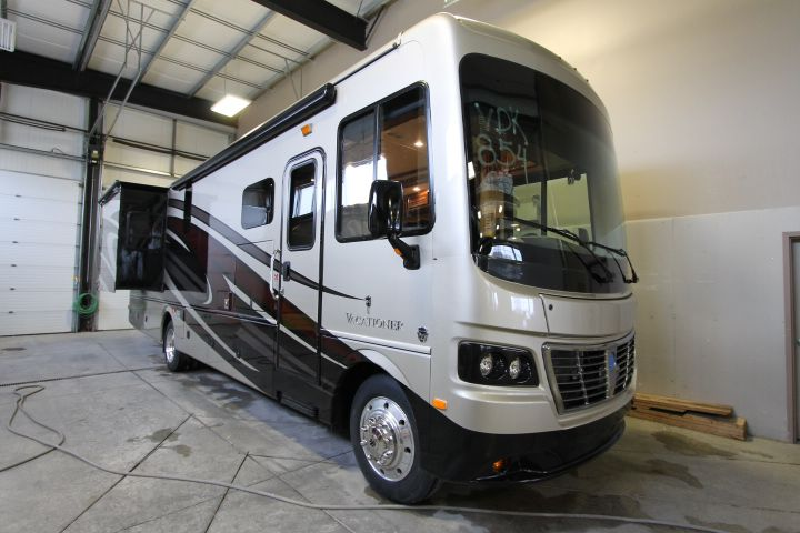 2016 HOLIDAY RAMBLER Vacationer 35DK