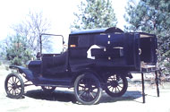Model T Runabout with telescoping apartment